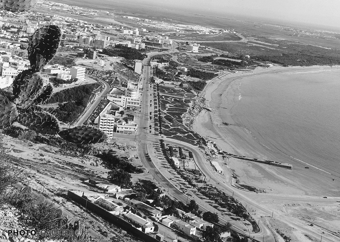 Agadir panorama baie plage cactus mer route constructions