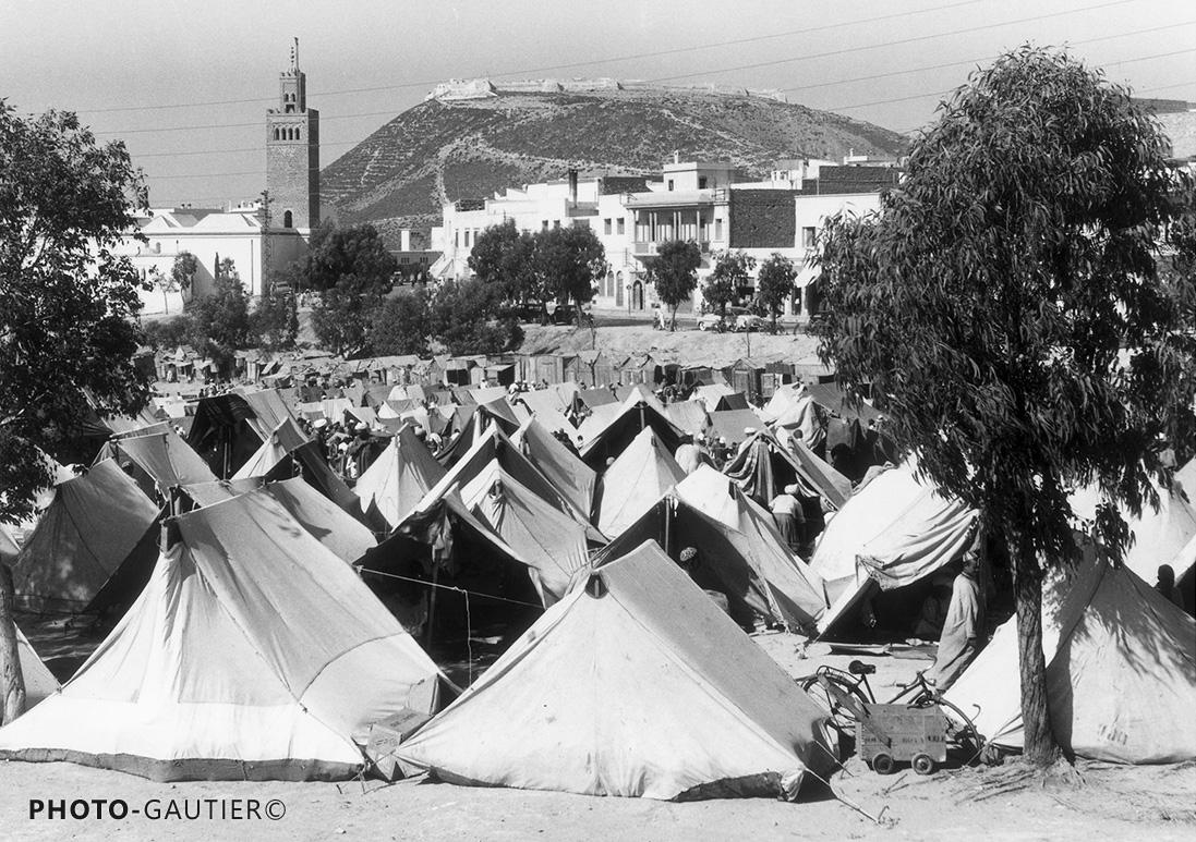 Agadir souk campements tentes vélo minaret casbah soleil