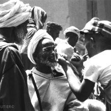 Conversation au souk