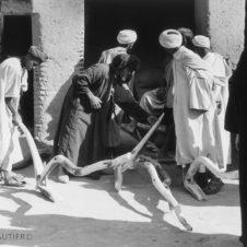 photo d'une vente de soc de charue dans un souk