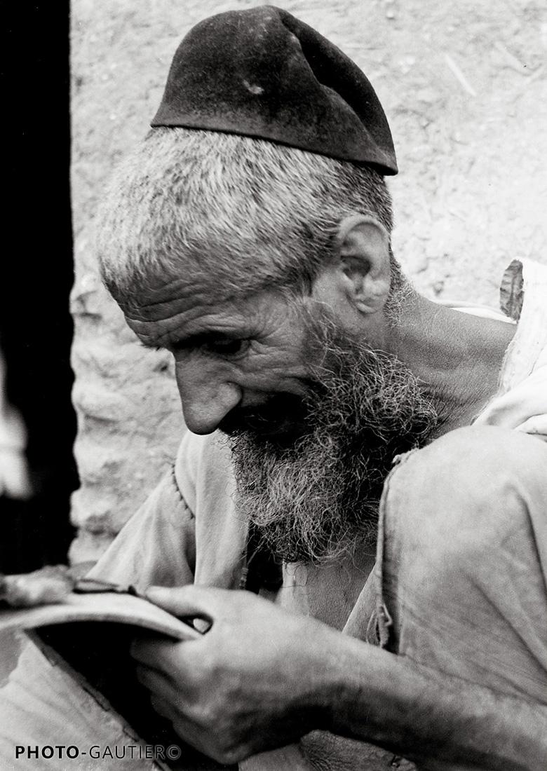portrait communauté juive main genou tarbouche